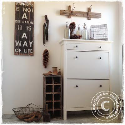 seaside cottage vintage treppenhaus deko. Black Bedroom Furniture Sets. Home Design Ideas