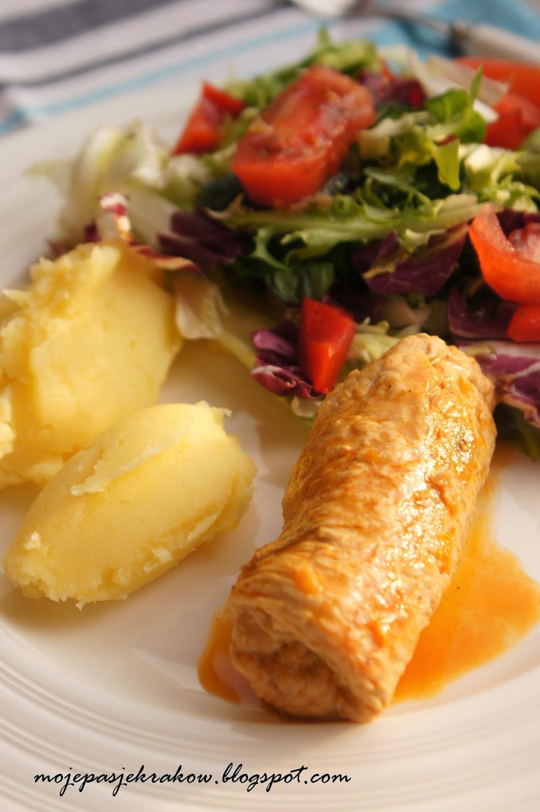 http://www.mojepasjekrakow.blogspot.com/2014/04/roladki-z-indyka-z-warzywami-obiad-do.html