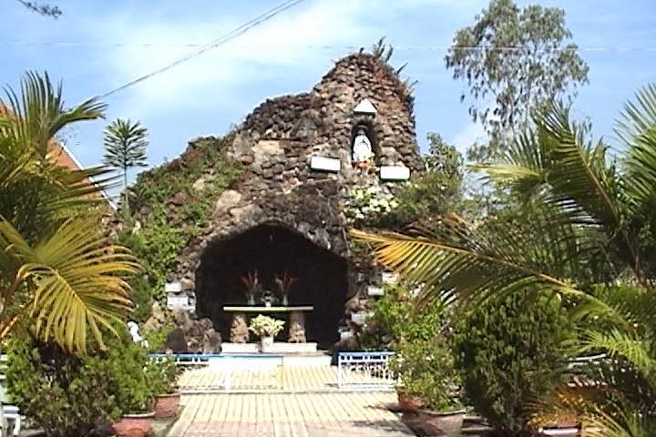 Hình ảnh Kon Tum xưa- Phố núi và bạn bè...