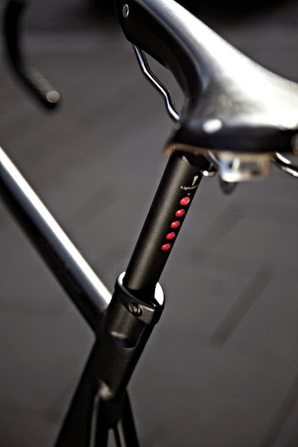 Lightskin Seat Post With Rear Light