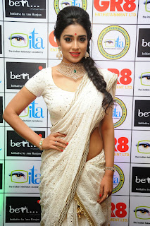 Shriya Saran in Saree at Gr8 WOMEN ADS SPICY DESINGER SAREE