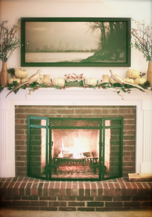 Holiday Mantlepiece Decor #gold #home #decor #holiday #thanksgiving #christmas