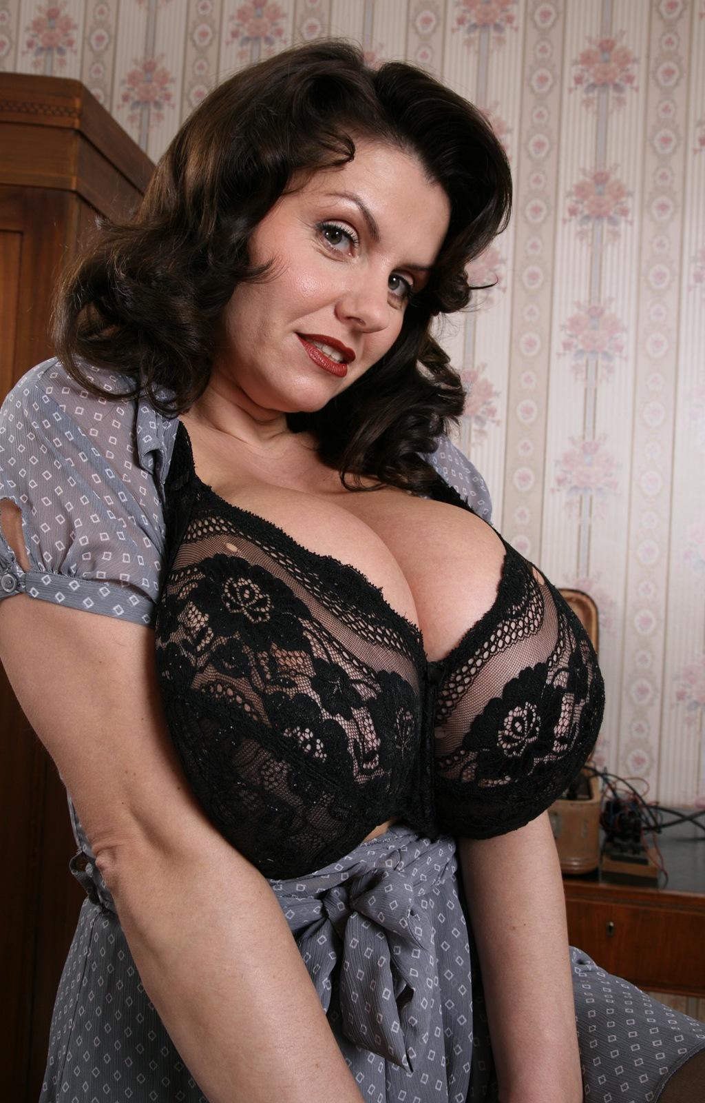 Aneta Buena Anna Jota - Sex Porn Images