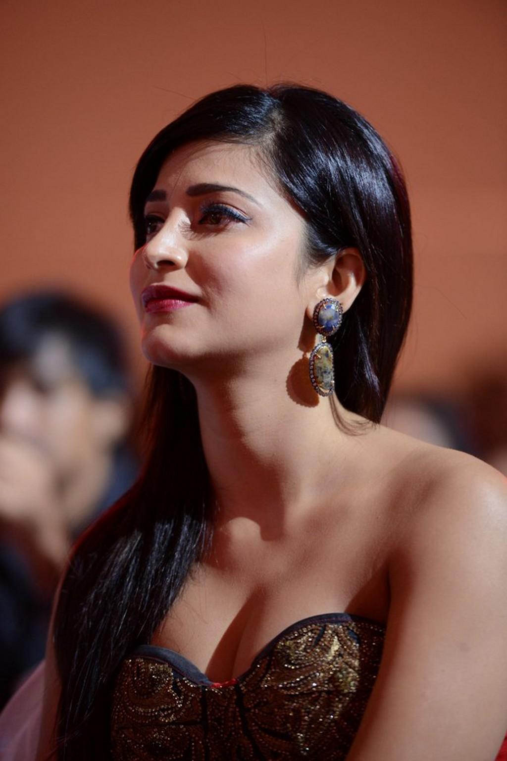 Shruti hassan sexy hot photos