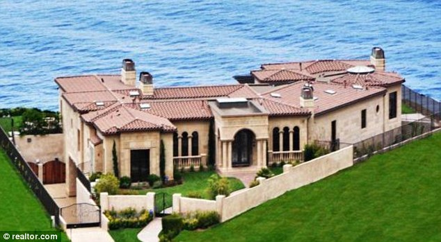 Donald Trumpu0027s 12 Million Dollar California Home That Sold For Almost Half  Of The Asking Price