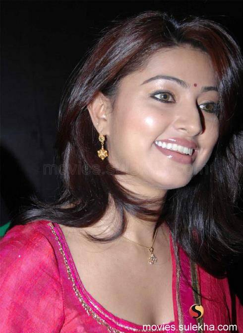 Sneha 1 - Dusky Sneha Hot Face Close up Pics