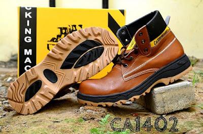 Sepatu Boots Safety Caterpillar Dyno, kode CA1402