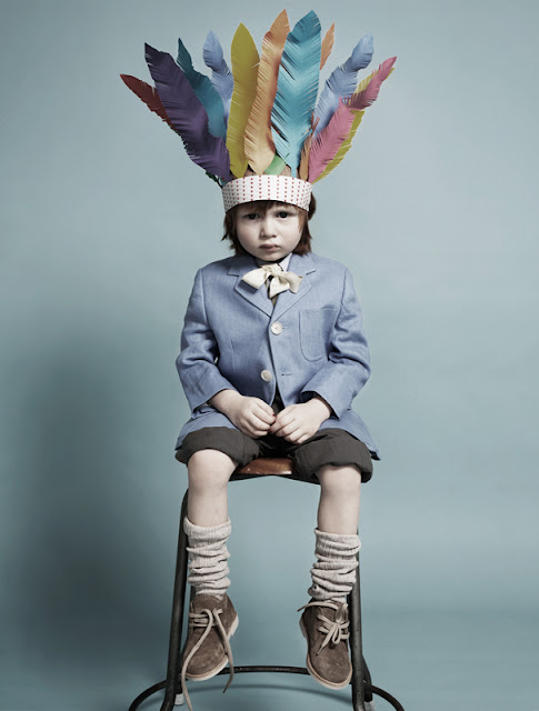 Fideli Sundqvist, Sweden ,suecia,Papier mache,papel,paper,fold,plegar,indio,plumas,arte,colores,niño,boy, Maria Wretblad