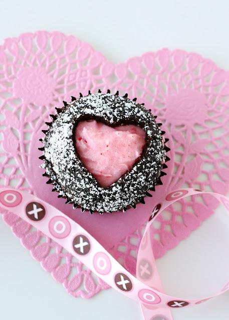 cupcakes met een hartje, leuk voor Valentijnsdag