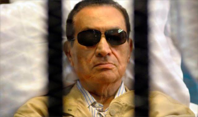 مبارك أثناء حبسه