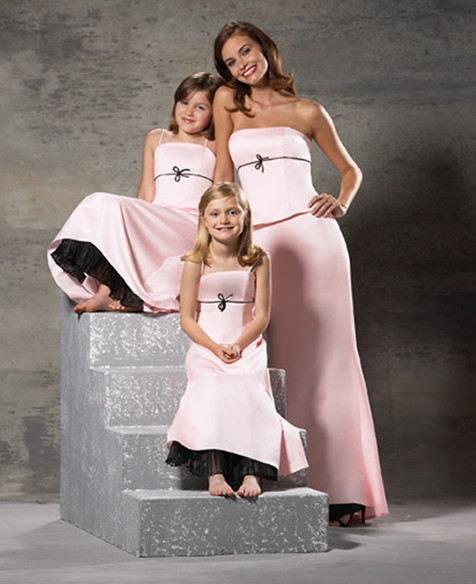Soft-Color-on-Junior-Bridesmaid-Dresses