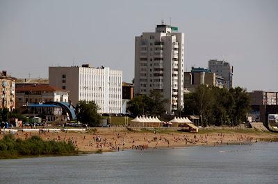 """""""playa"""" en el río de Omsk, transiberiano 2015"""