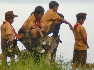 Cerita Bahasa Jawa Pengalaman Kemah Pramuka