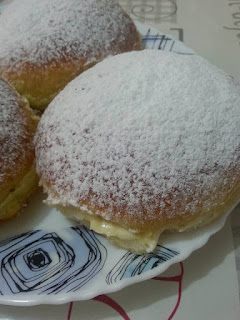 Tarte Tropézienne briochée a la crème vanillée Réalisé par Islem Belgherbi