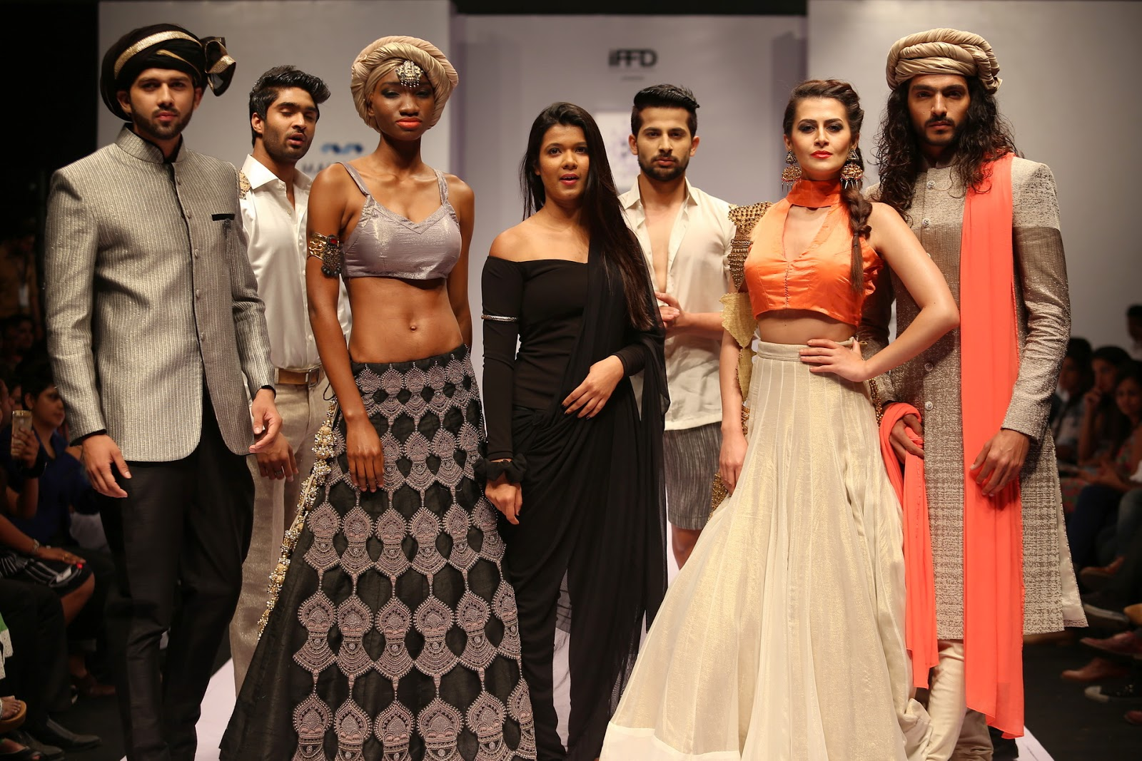 High street fashion brands in india 93