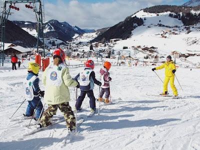 Niños esqui Alpes
