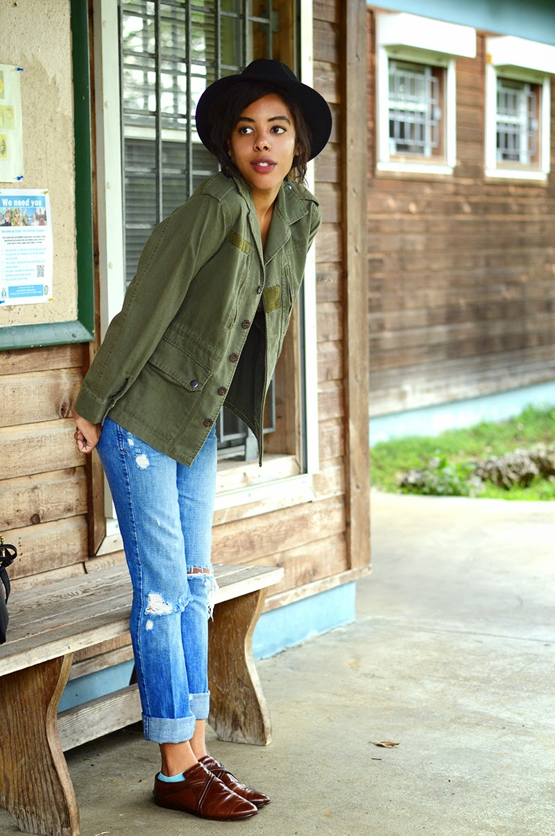 Miami Fashion and Indie Culture Blogger Anais Alexandre of Down to Stars in a vintage military jacket, Abercrombie & Fitch jeans, Target fedora and vintage leather shoes