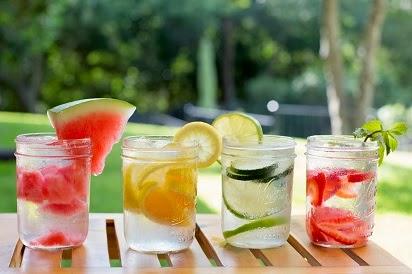 manfaat infused water untuk diet,resep infused water,infused water untuk ibu hamil,infused water strawberry,infused water strawberry kiwi,infused water timun,