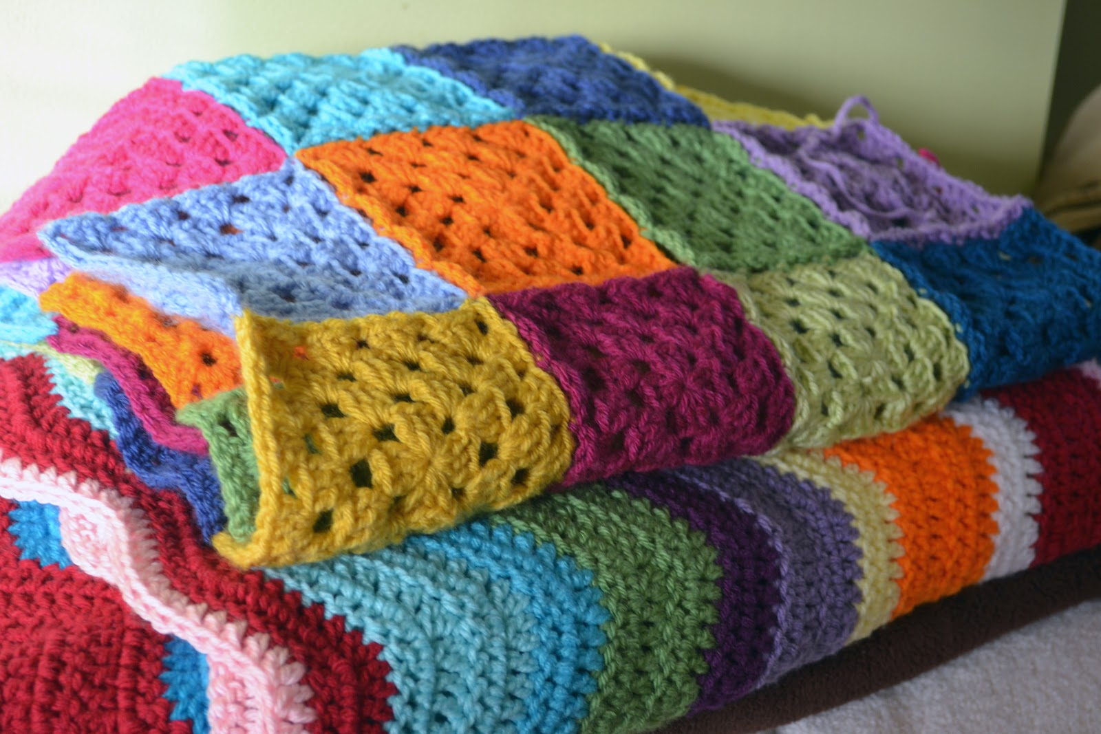 Crocheting With Two Colors : may do a row or two on my ripple...or a couple of squares for the ...