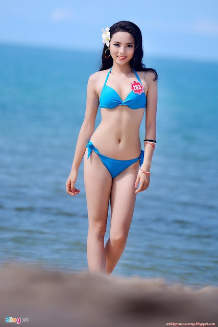 Hoa hậu Kỳ Duyên sexy với bikini