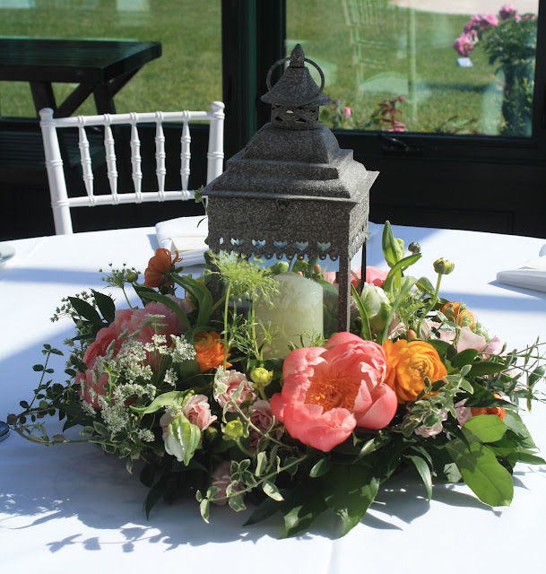 Centerpiece with lantern - Highlands Country Club - Garrison, NY Wedding Flowers