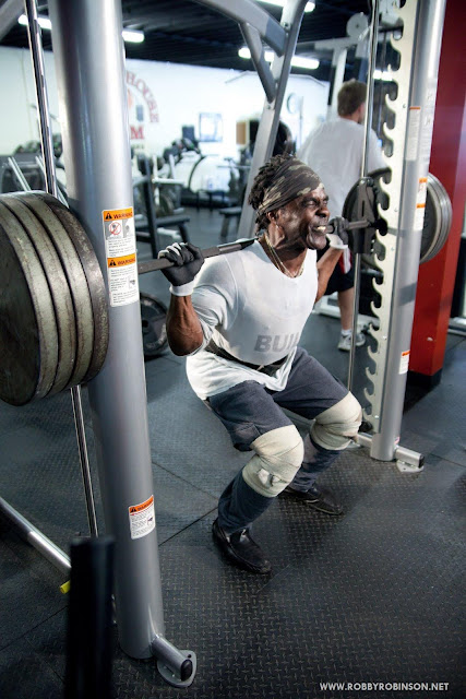 ROBBY ROBINSON - MIKE NEVEUX PHOTO FOR IRON MAN MAGAZINE WORKOUT - SQUATS - GOLD'S GYM, VENICE CA