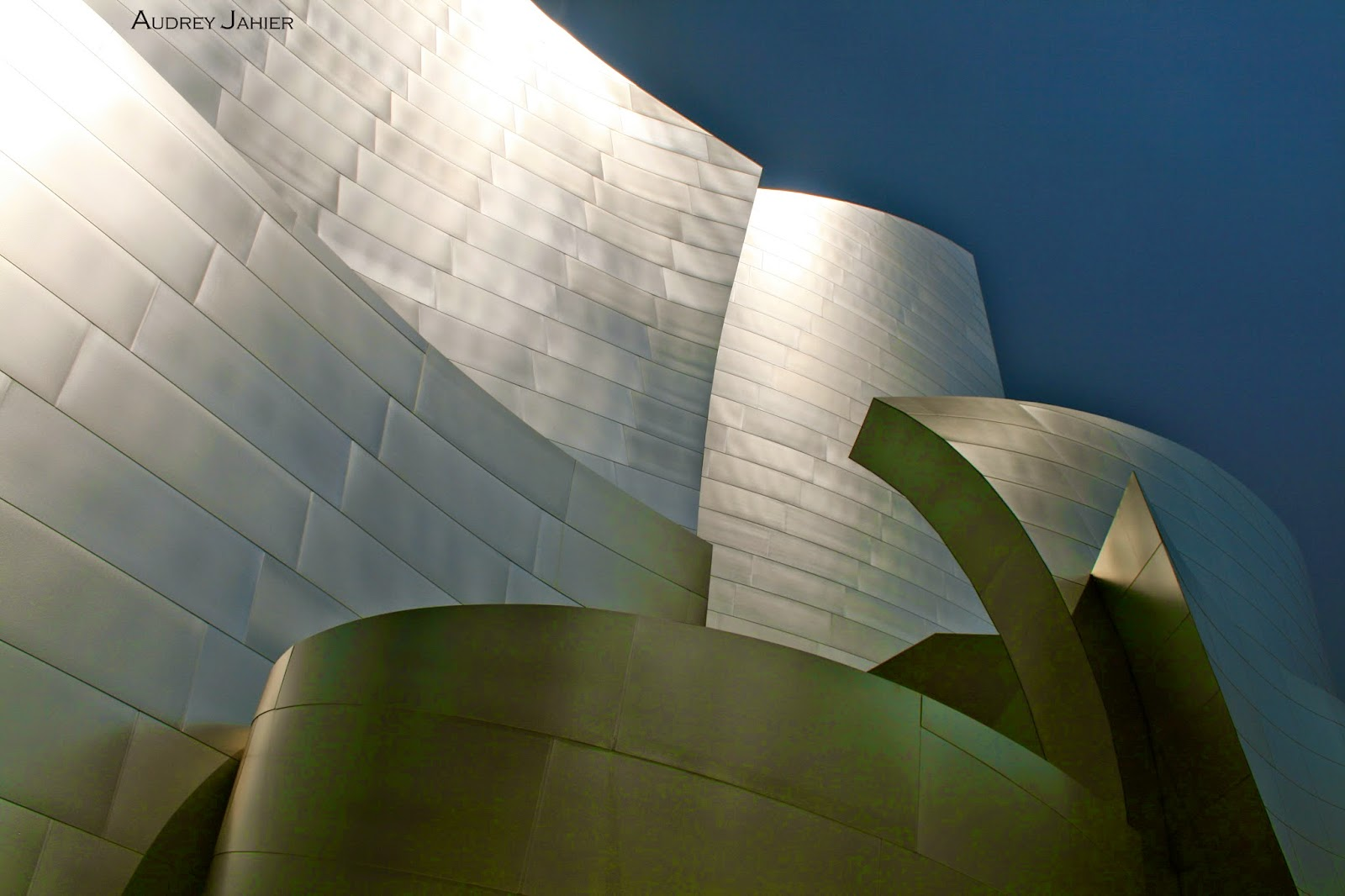 Los-angeles-ghery-walt-disney-music-hall