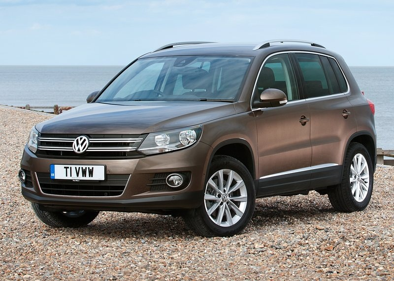sport car garage volkswagen tiguan 2012. Black Bedroom Furniture Sets. Home Design Ideas