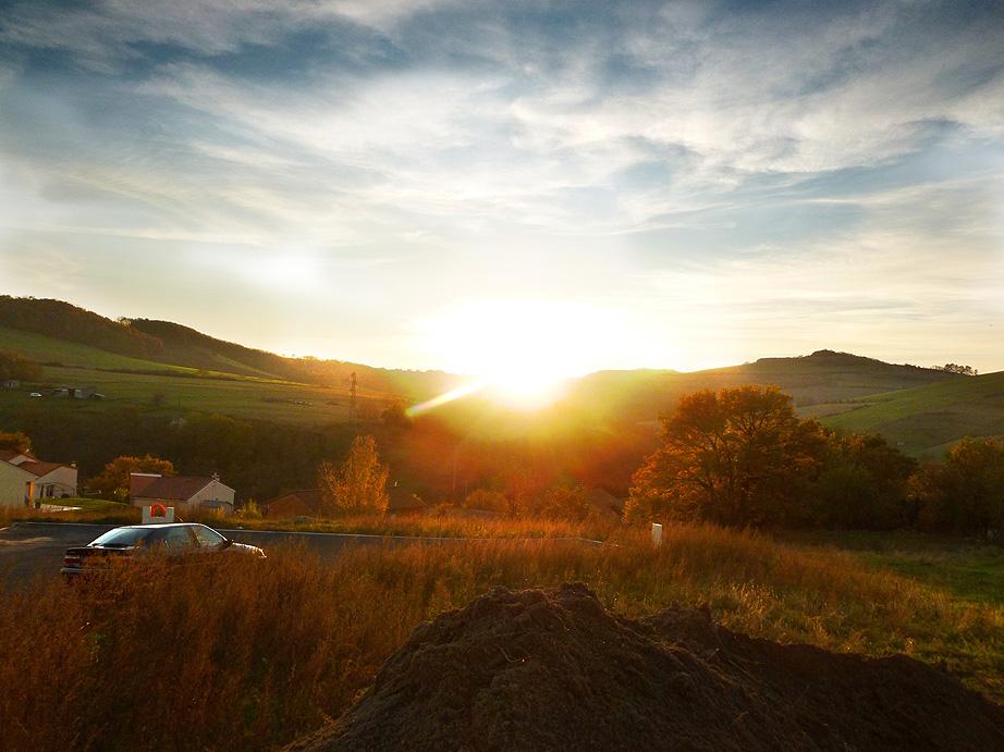La maison mouth et le soleil se couche l 39 ouest - Le soleil se couche a l ouest ...