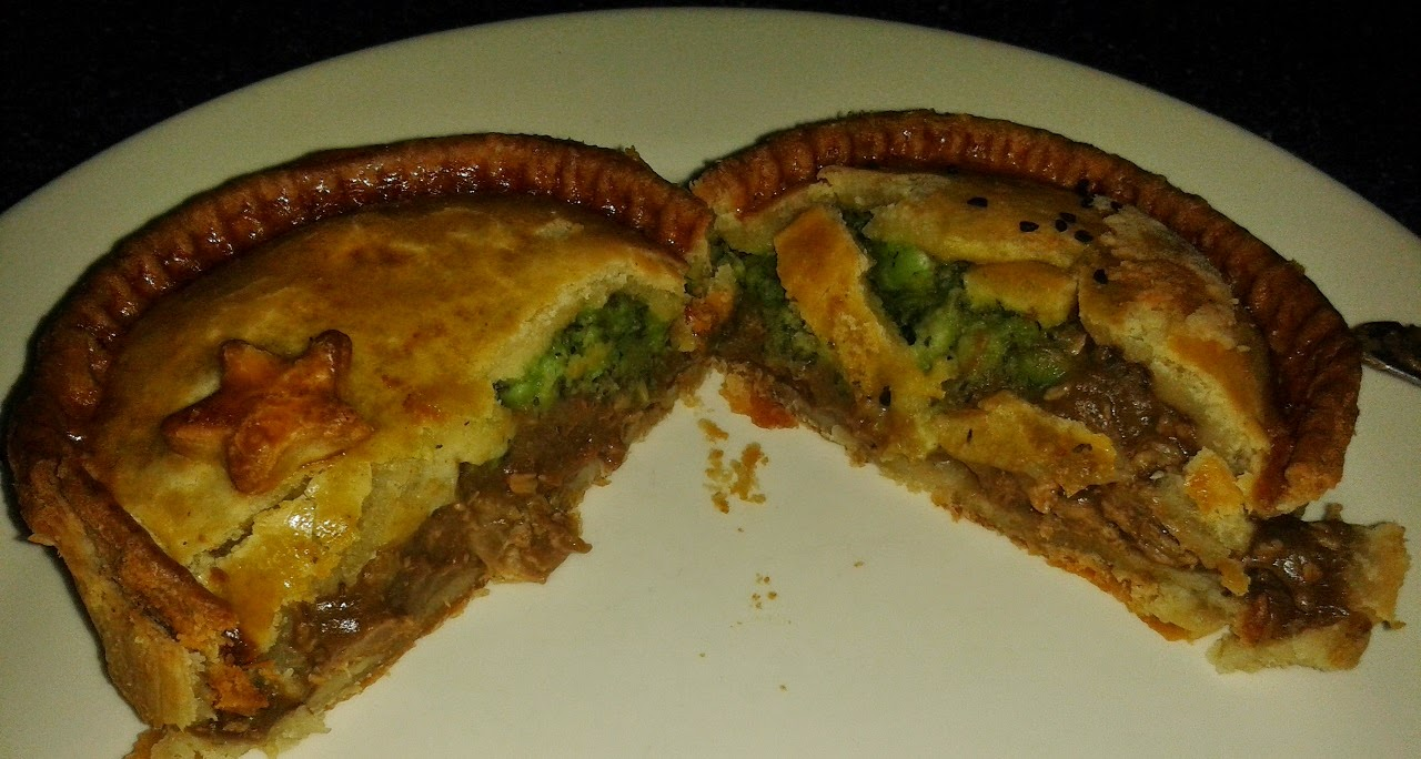 Toppings Steak and Mushy Peas Pie Review