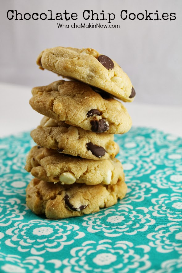 Puffy and Crunchy Chocolate Chip Cookies with LOTS of Chocolate Chips!