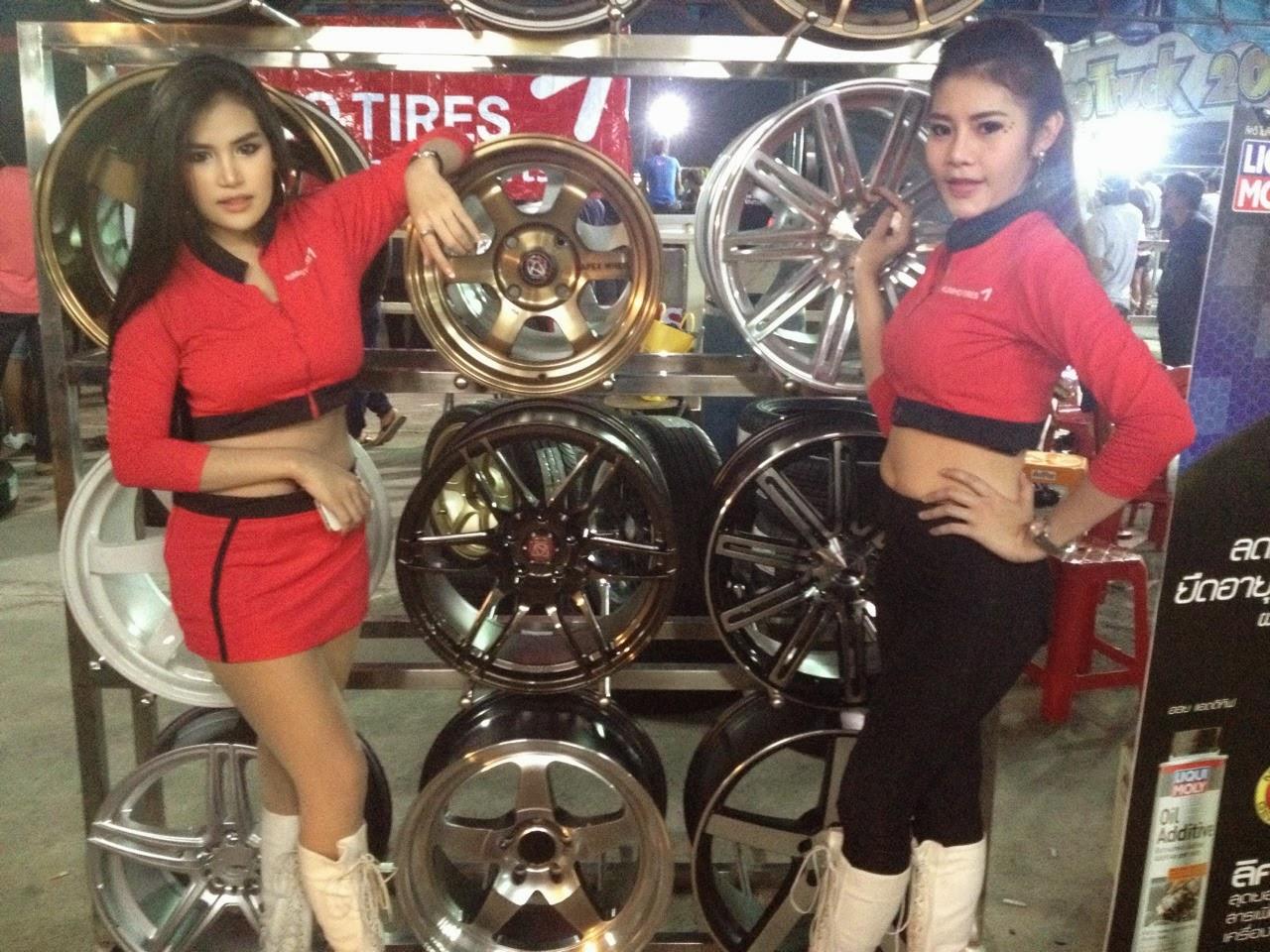 ยางรถคัมโฮ ล้อแม็กเอเพ็กซ์ งานแข่ง Drag RaceTruck