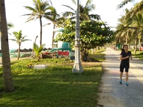 ダナンで朝ジョギング