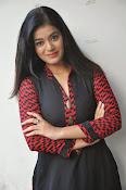 Yamini bhaskar glam pics-thumbnail-20