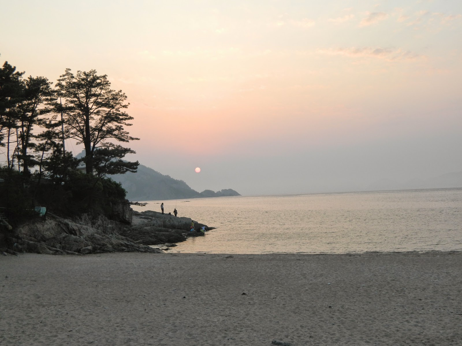 Sunset at Seonyudo beach