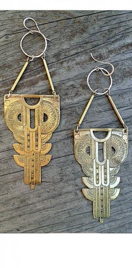 Vía Pinterest en http://www.curatorsf.com/large-gibson-earrings/
