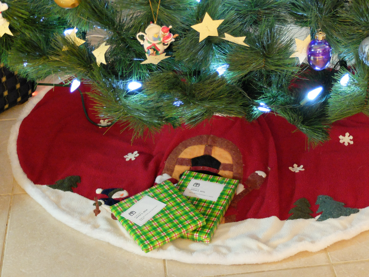 Secret Santa: Mommy & Me Book Exchange Reveal & Link Up