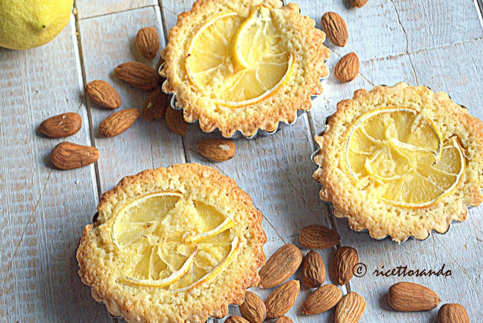 Crostatine al limone e frangipane