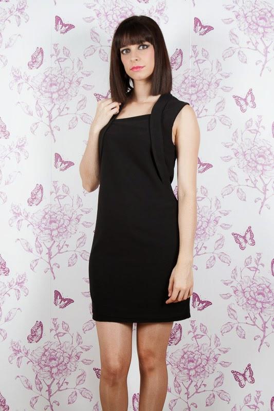 http://www.saracasanova.es/vestidos/452-vestido-corte-recto.html