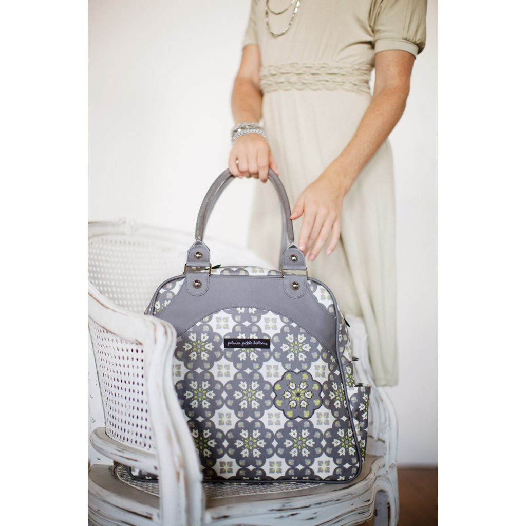 A Lovely Little Life: The Diaper Bag Dilema