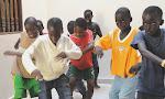 de jongens dansen graag