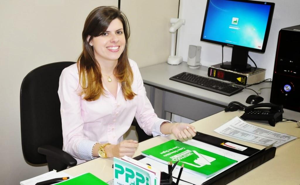 Profa Vivian Telles Paim - coordenadora do curso
