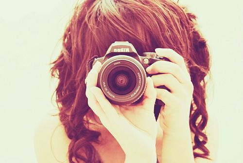 Фото на аву для девушек с камерой