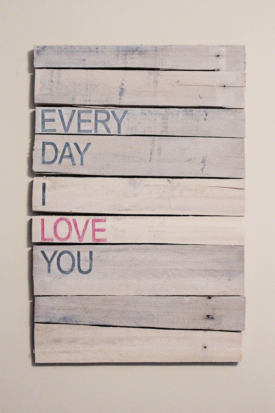 Ador: DIY Pallet Art