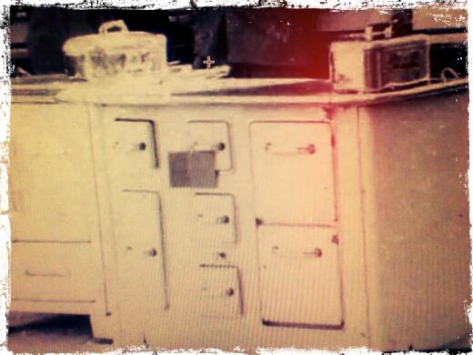 L 39 aiuto becchino lo stress da trasloco in bara con for Cucina economica zoppas