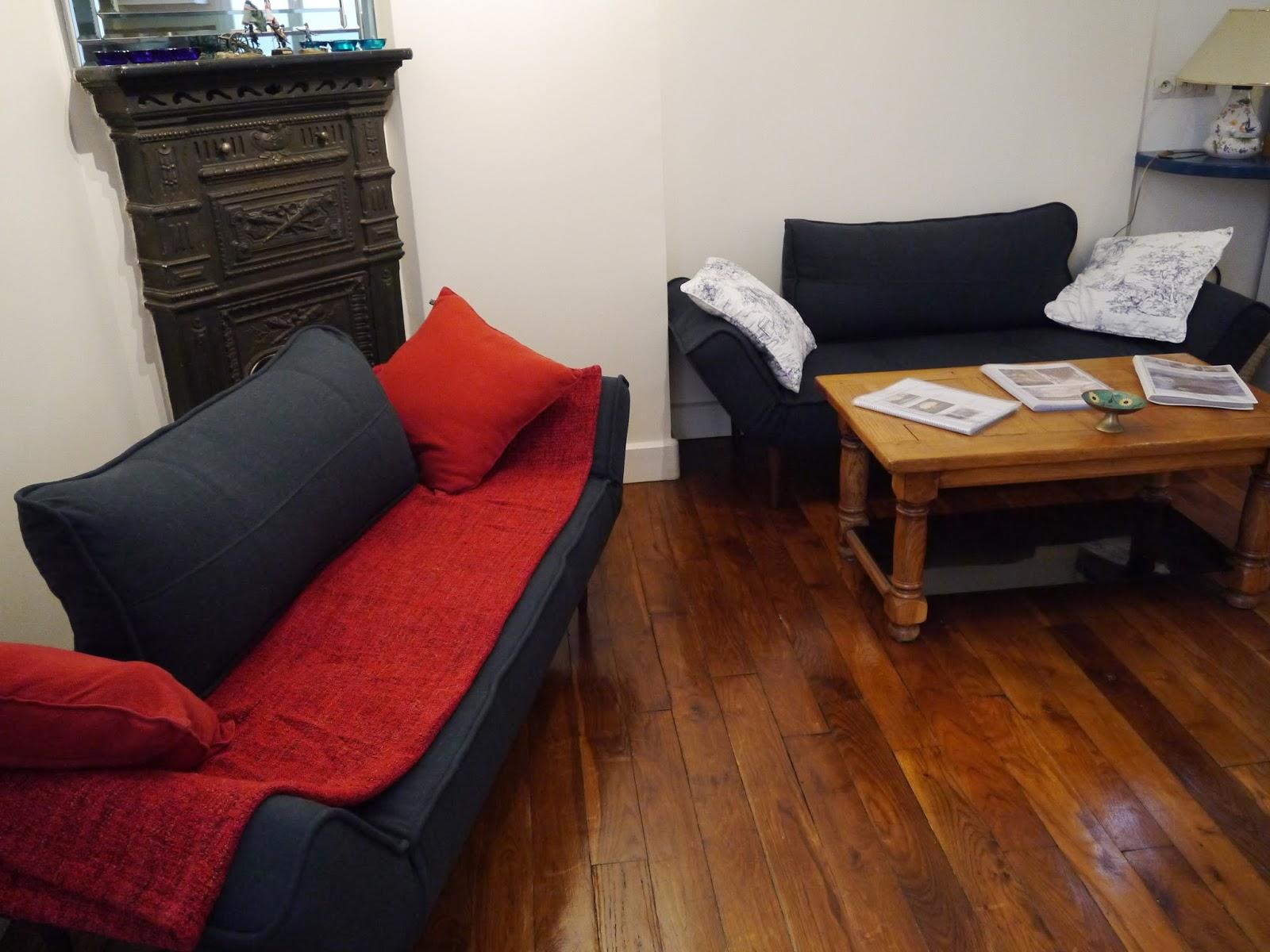 eiffel bartholdi paris holiday apartment two new sofa beds