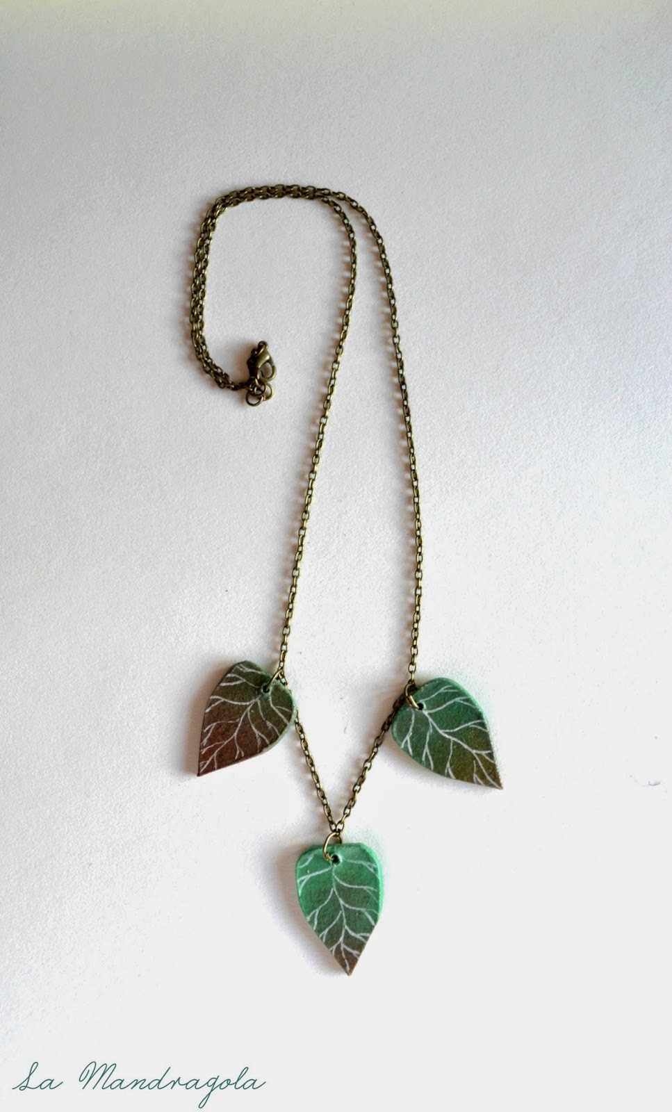 leaves-autumn-necklace-la mandragola-handmade-finnboard-etsy-green