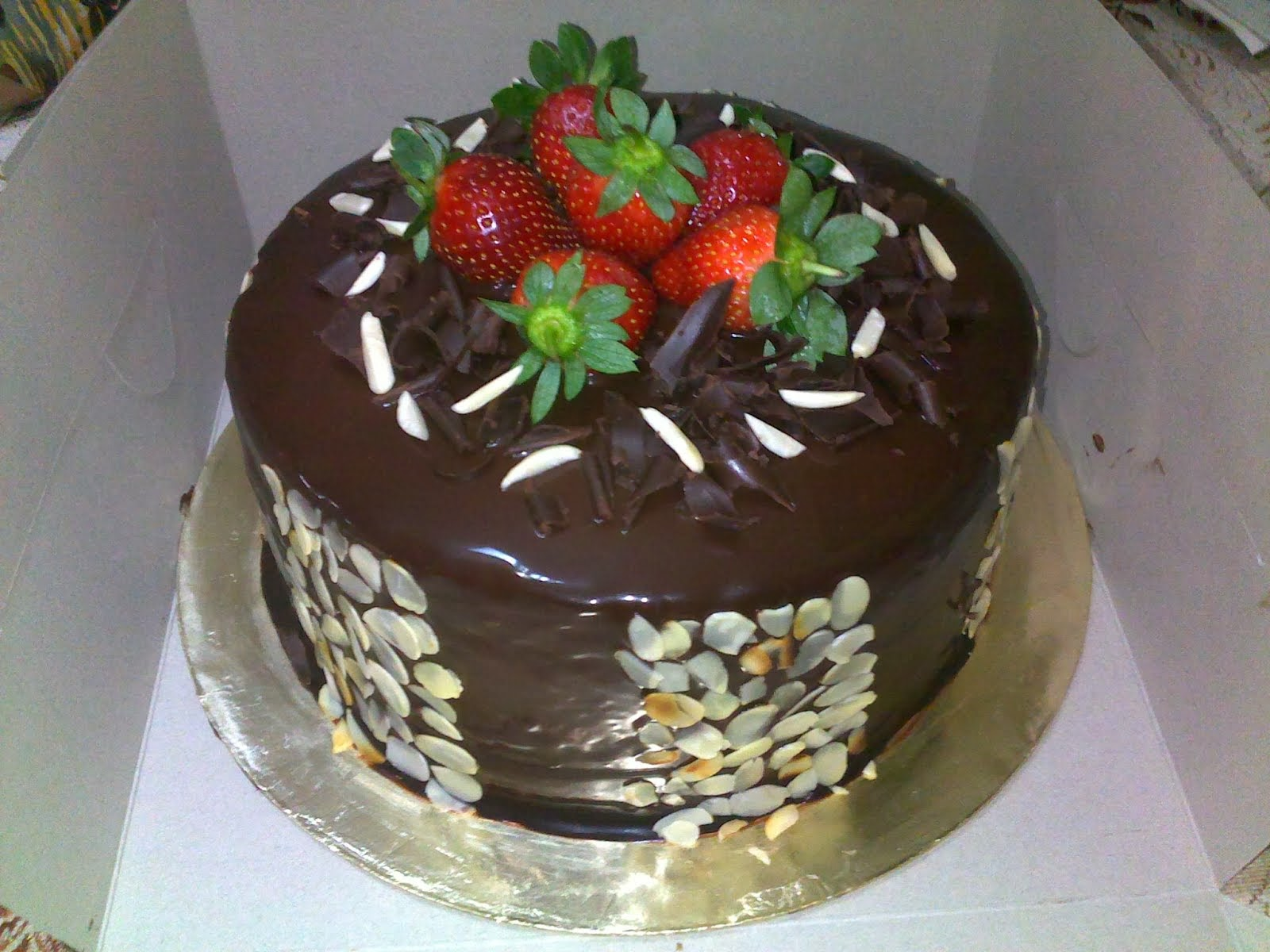 INDULGENCE CHOCOLATE CAKE
