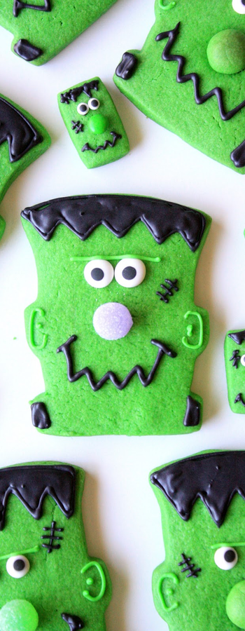 Frankenstein Cookies via Munchkin Munchies Blog