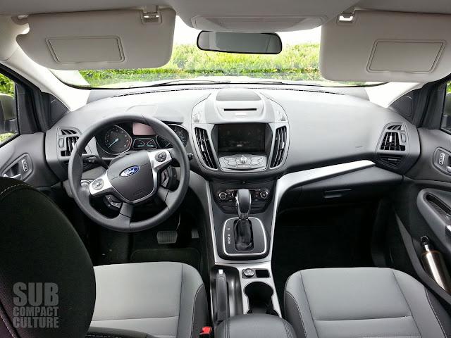 2013 Ford Escape SE interior